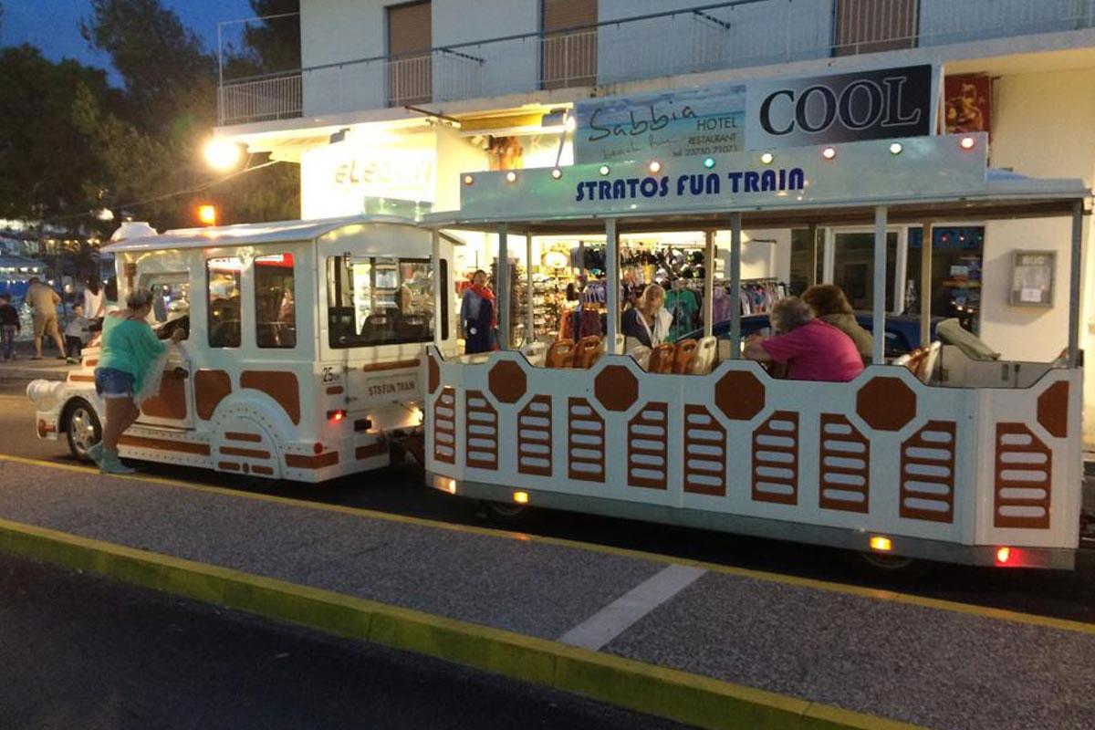 stratos fun train Neos Marmaras